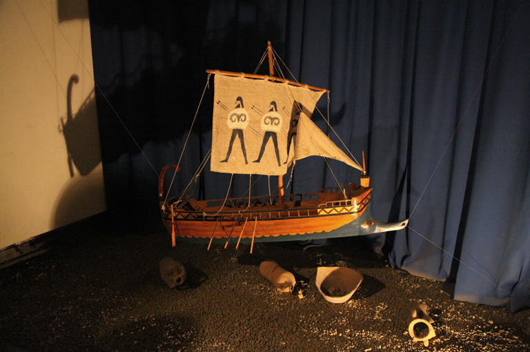 A model of the Argo in the museum.